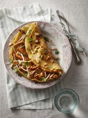 oriental pancake with chicken and bean sprouts