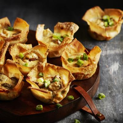 filocups with goat's cheese, ricotta and mushrooms
