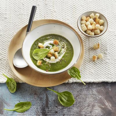 spinach coconut soup with garlic croutons