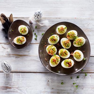 bacon and avocado eggs