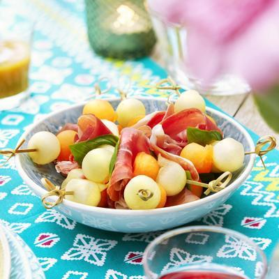 melon skewers with raw ham