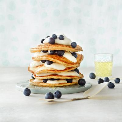 pancakes with blueberries and limoncello cream