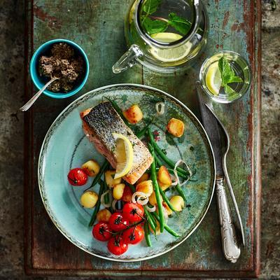 salmon with herbs and tapenade
