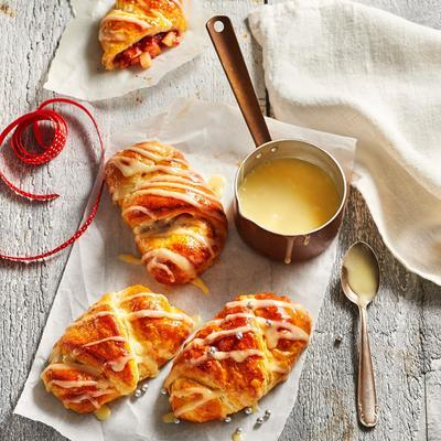 cranberry croissants with white chocolate