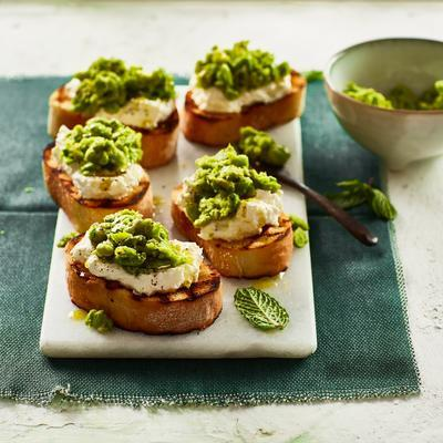 bruschetta with broad beans and feta