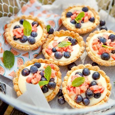 tartelettes with rhubarb and blueberries