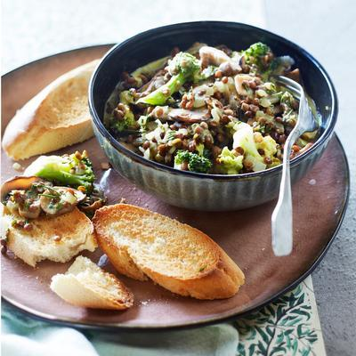 lentil stew with mushrooms and broccoli