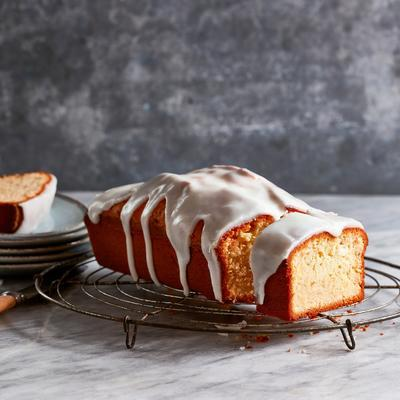 peasant cake with lemon glaze