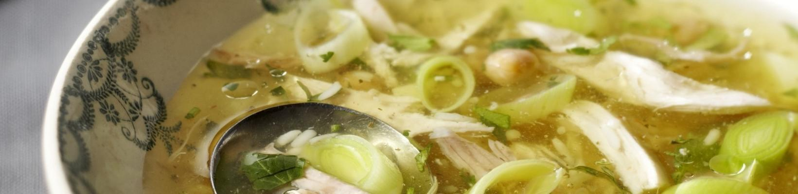 chicken soup with leeks and chickpeas