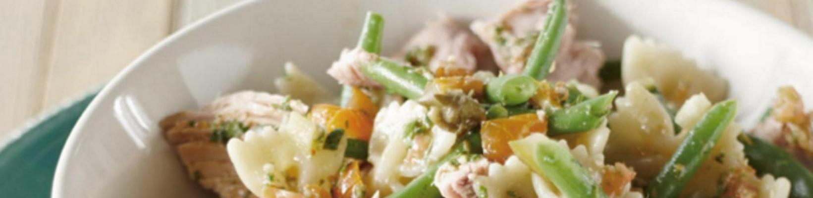 Italian tuna salad with tomato dressing