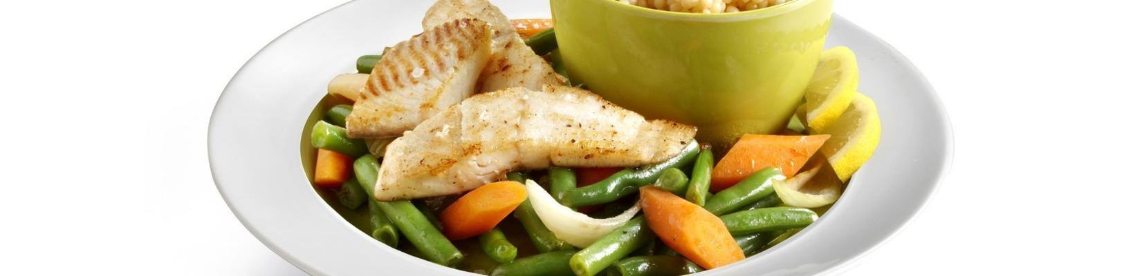 tilapia from the wok with carrots and beans