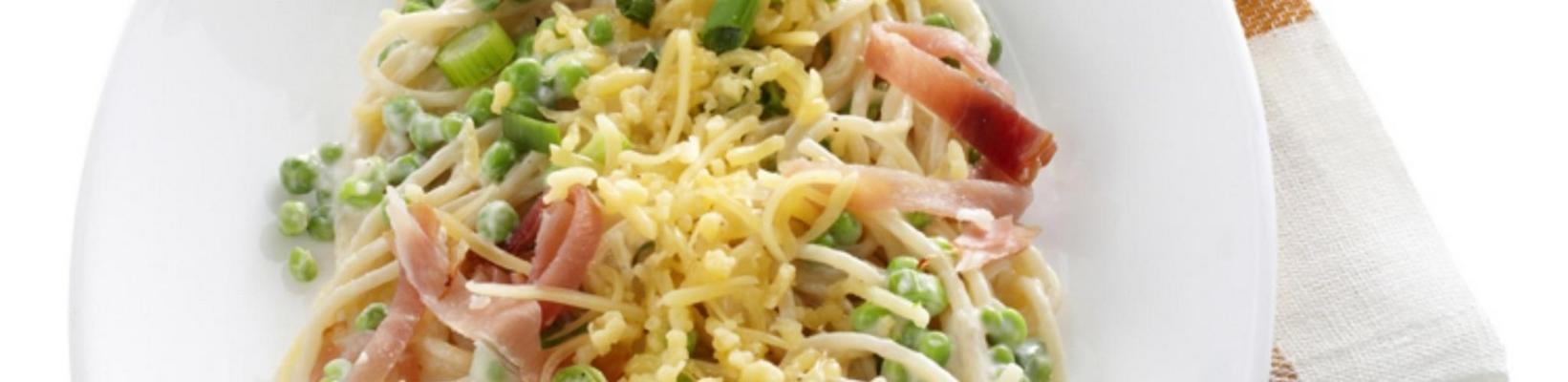 cream spaghetti with peas