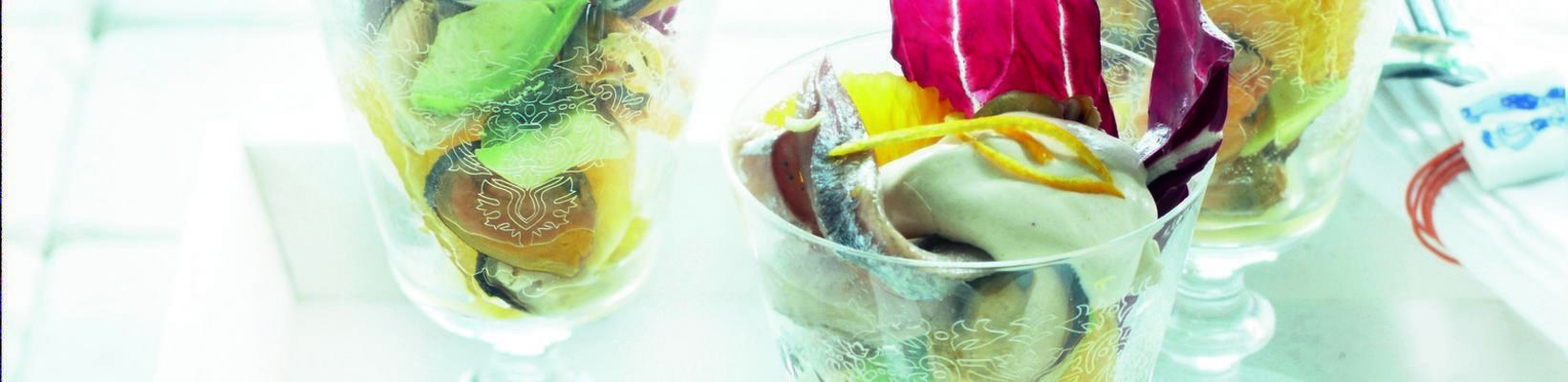 mussel-size cocktail with orange and avocado