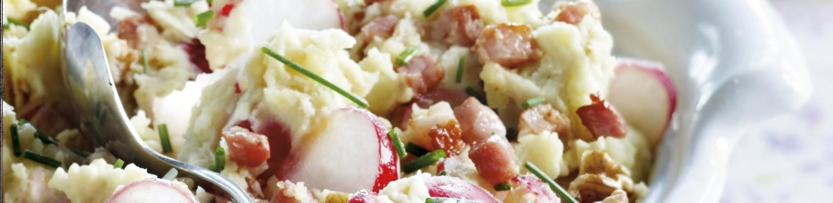 radish stew with bacon and nuts