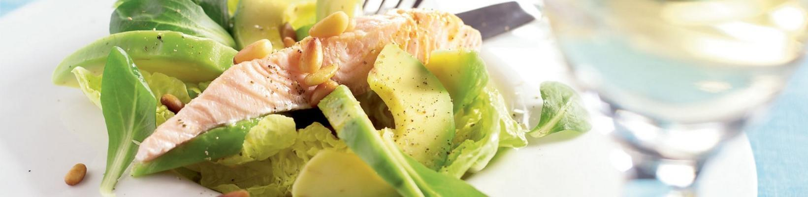 salad with poached salmon fillet and orange dressing