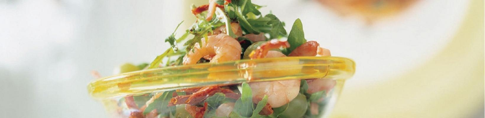 shrimp salad with raw ham