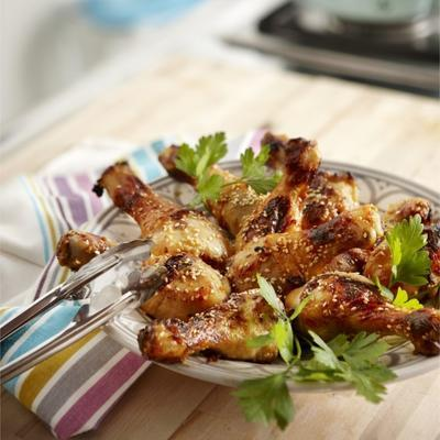 chicken cloves with honey and sesame