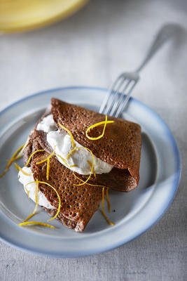 chocolate flanges with spice cream