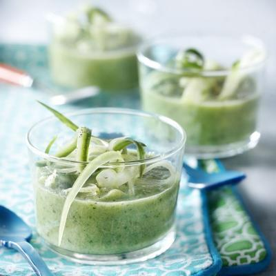 cucumber soup with coconut