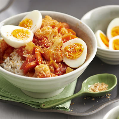 rice with vegetable curry and eggs