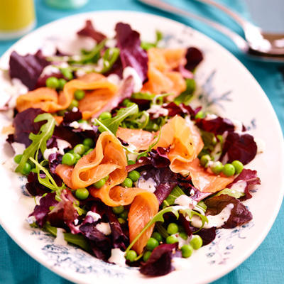 mixed salad with peas and salmon