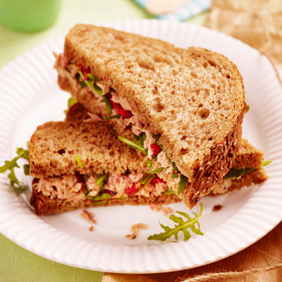 sandwich with tuna and roasted peppers