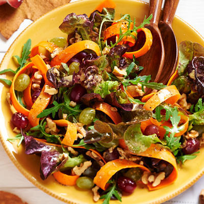 autumn salad of carrot and grapes