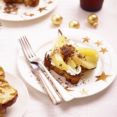 toasted sugar bread with pear