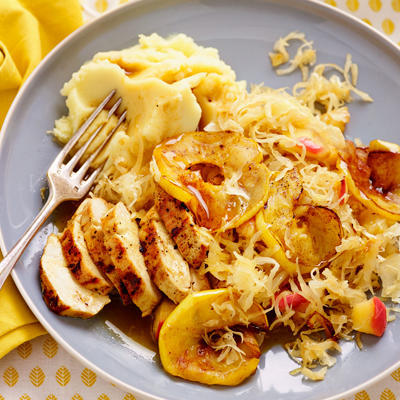 sauerkraut with baked apple