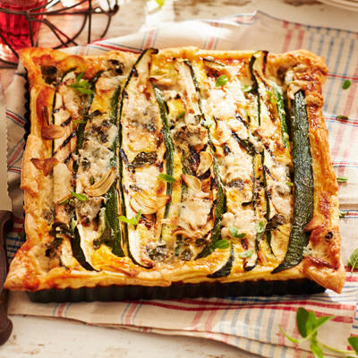 quiche with zucchini and blue cheese