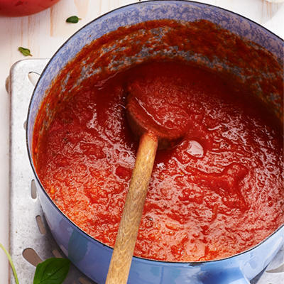 fresh tomato sauce (basic recipe)