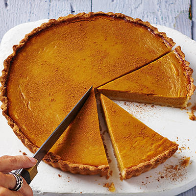 pumpkin pie with cinnamon and vanilla ice cream