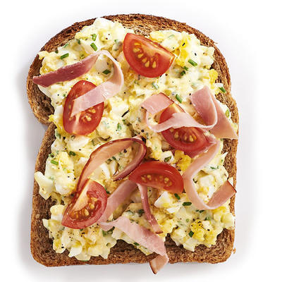 wholemeal bread with homemade egg salad