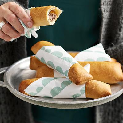 fast sausage rolls