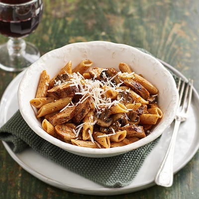 penne with mushrooms and bratwurst
