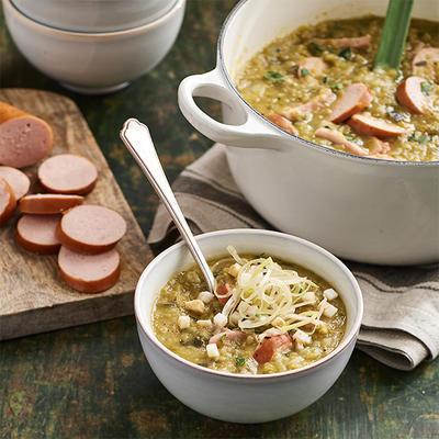 Pea soup with smoked sausage