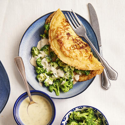 cheese flakes with broccoli and gorgonzola