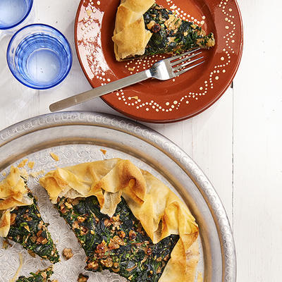 spinach pie with walnuts