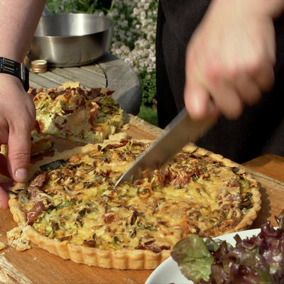 quiche with cheese and leek