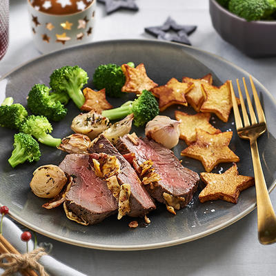 roast beef with cheese, bacon and shallots