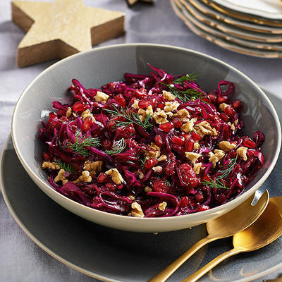 red cabbage salad with raspberry dressing