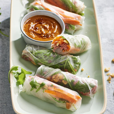 vegetable spring roll with roast beef