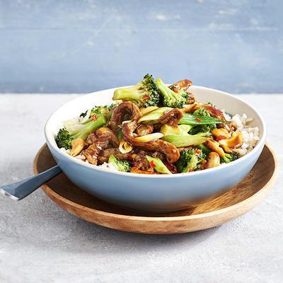 stir-fried steak with broccoli