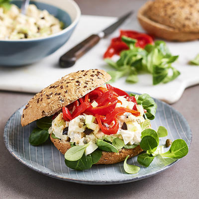 wholemeal ball with egg salad