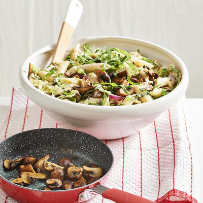 pasta with endive and fried mushrooms