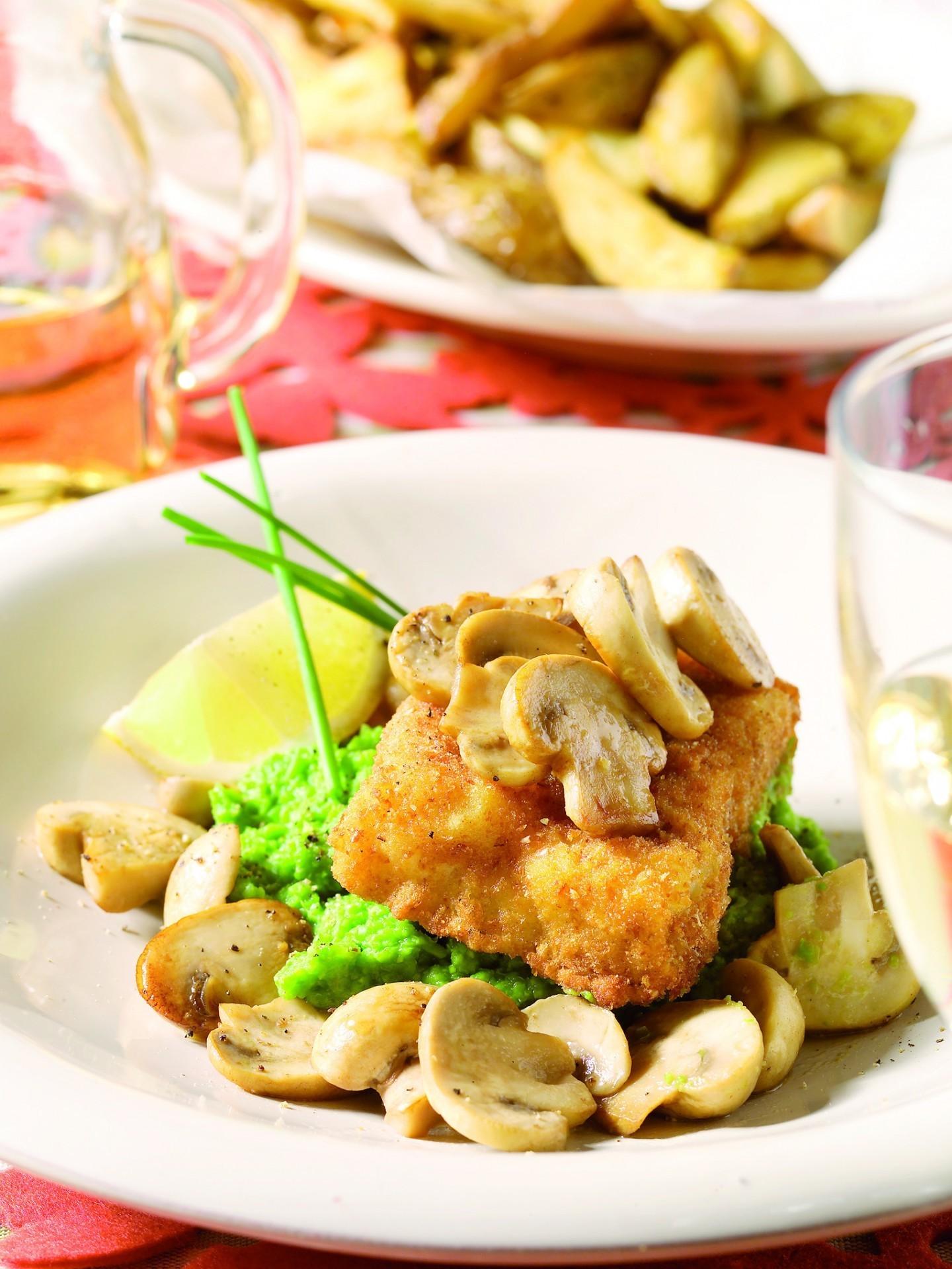 Fried fish with pea puree