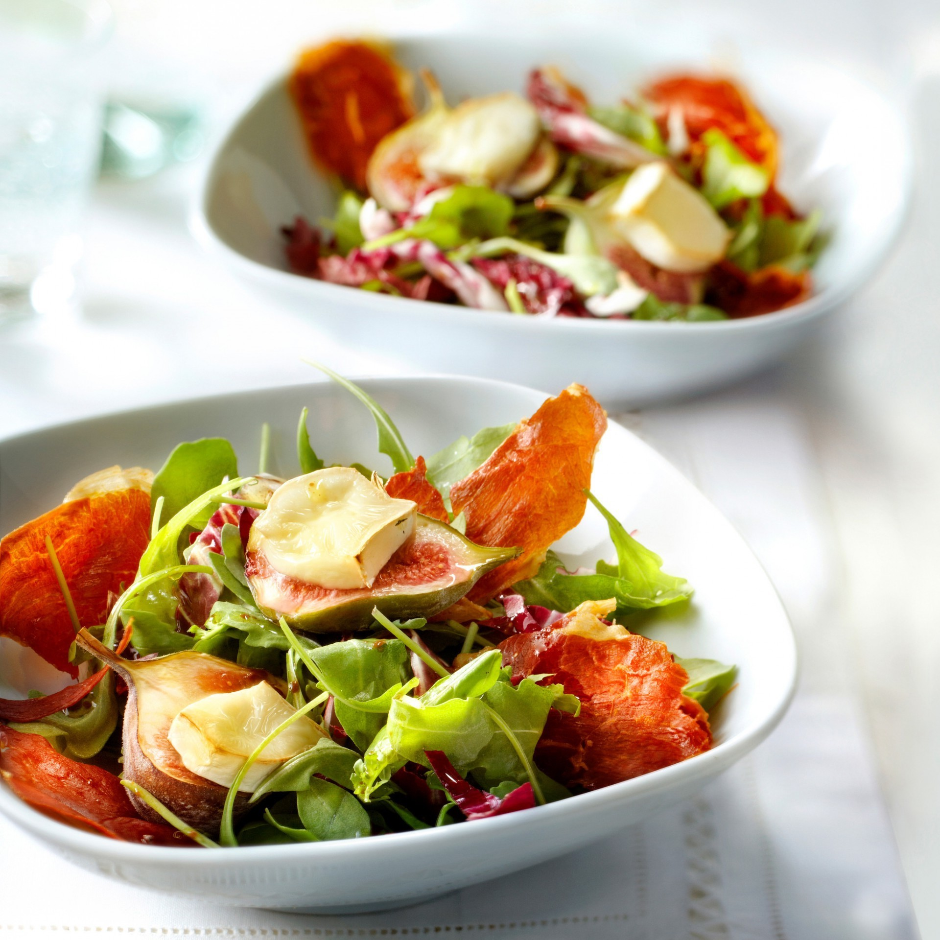 Rucola salad with gratin figs