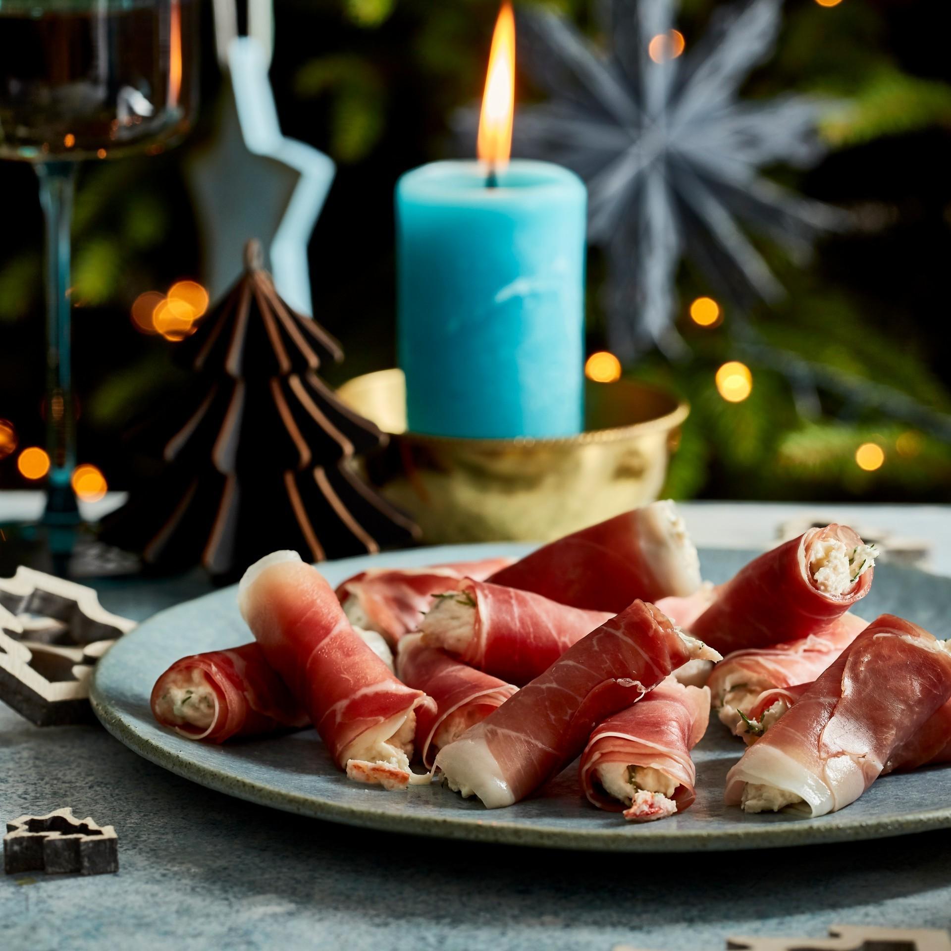 Ham rolls with crab mousse