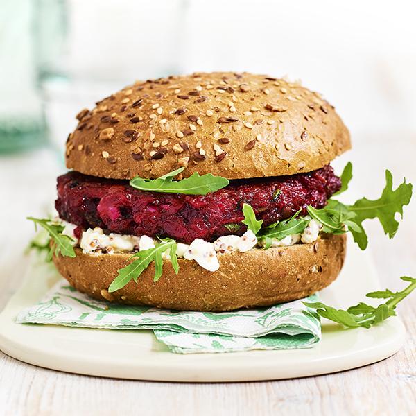 Roll beet burger