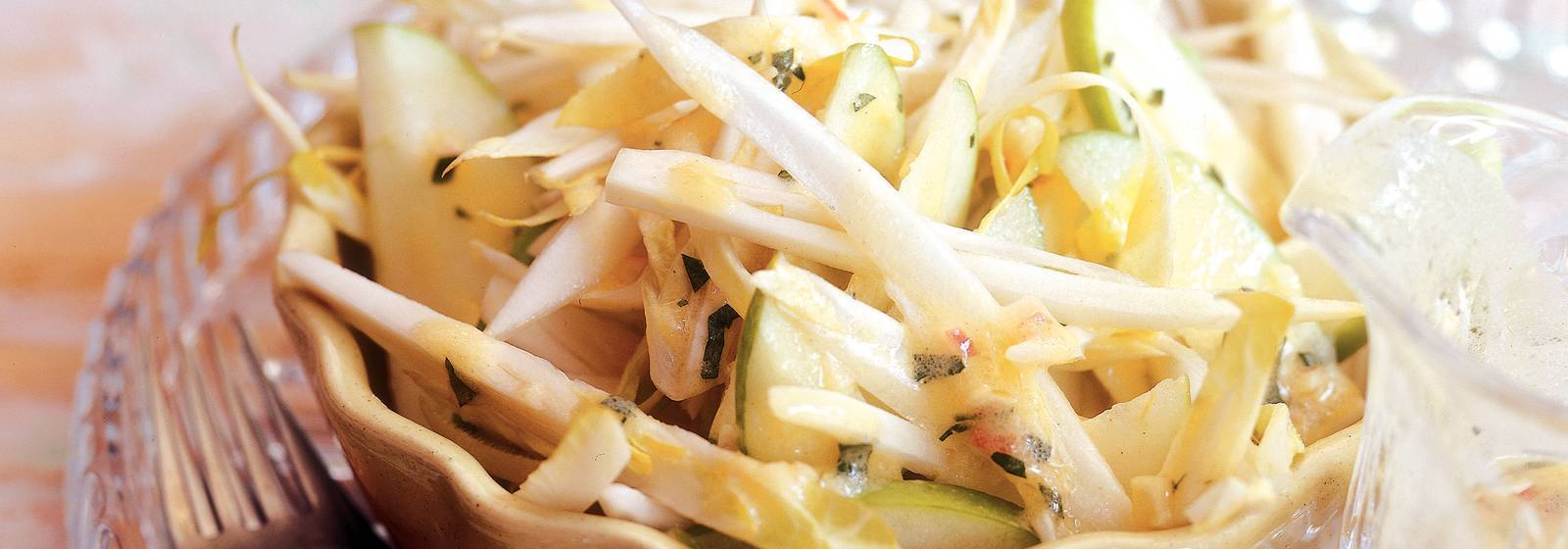 Chicory salad with parsley dressing